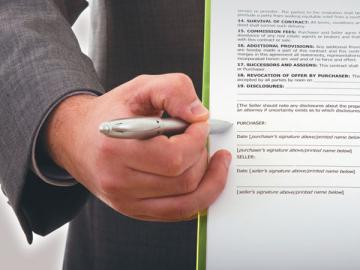 Приготовьте ручку: увольняемому нужно расписаться вцелой стопке документов