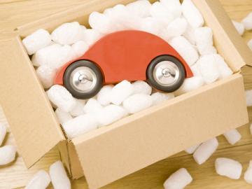 О полученном в подарок автомобиле налоговики, скорее всего, не узнают, если договор дарения не будет нотариально заверен