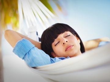 Если вы предоставили своему работнику отпуск авансом, а вскоре после этого он попал под сокращение, вернуть переплаченные отпускные вы не сможете