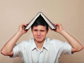 Учебные отпуска и другие льготы работающим студентам, Журнал «Главная книга», № 1 за 2013 г