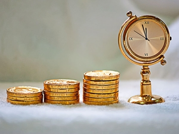 «Удорожание» ОС дает право сразу списать в расходы большую сумму, чем в 2015 г., но в переходный период некоторым упрощенцам придется нелегко