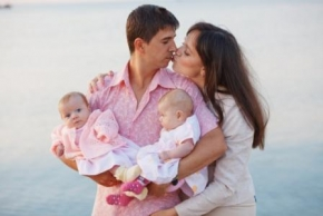 Новости: Матпомощь при рождении ребенка в пределах 50 000 руб. не облагается взносами